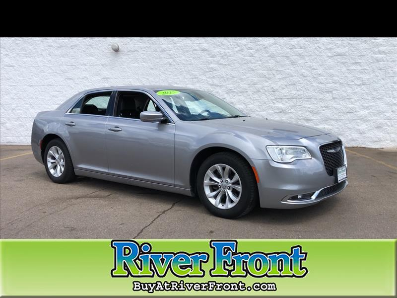 Pre-Owned 2015 Chrysler 300 Limited RWD