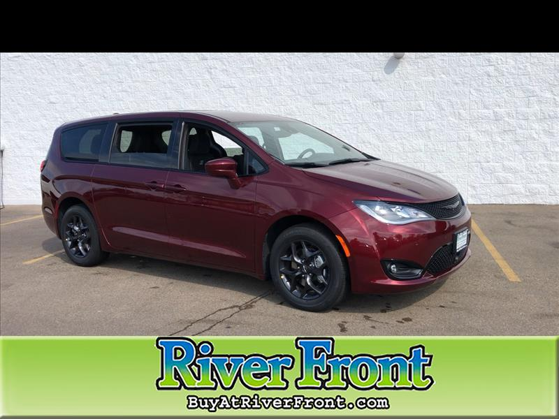 New 2020 CHRYSLER Pacifica Touring Plus
