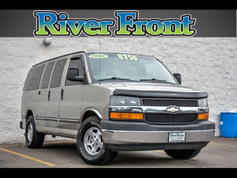 Pre-Owned 2004 Chevrolet Express 1500 LT