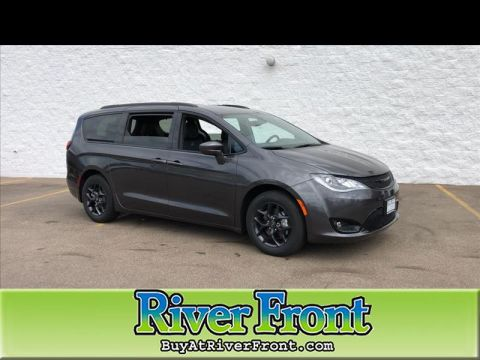 New 2019 CHRYSLER Pacifica Touring-L