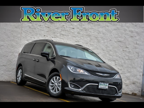 New 2018 CHRYSLER Pacifica Touring-L